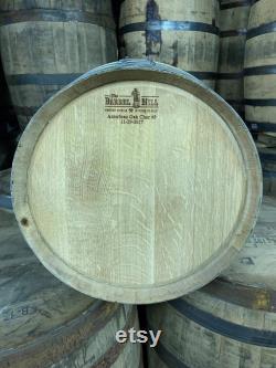 15 Gallon Rye Whiskey Barrels Qualité rechargeable, Frais sous-évalués Parfait pour le brassage à domicile, la distillation artisanale, ou la décoration.