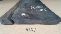 29 Pouces Live Edge Bog Oak Board Size 29'' x 13'' x 1.5'' (730mm 330mm x 37mm) Planche de chêne noir incurvé avec noeud et fissures