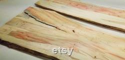 42 Lx11 Lx.95 2 Planches de résine de rivière Flaming Boxelder live edge avec motif flamboyant rouge et trous d insectes. Parfait pour une table basse de rivière en résine