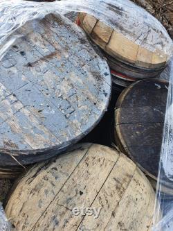 50 couvercles de baril de whisky de chêne baril de whiskey sur une palette avec la livraison libre de continent de royaume-Uni