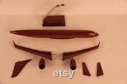 Airbus A-220-300 Modèle artisanal
