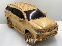 Art du travail du bois WA02 Toyota Fortuner Legender 2021 Voiture en bois
