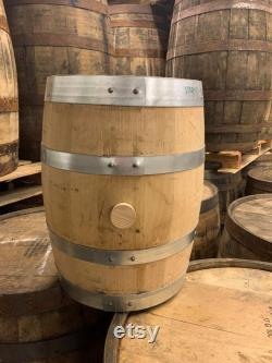 Barils de bourbon de 5 gallons qualité rechargeable, frais jetés parfait pour le brassage à la maison, la distillation artisanale, ou la décoration.