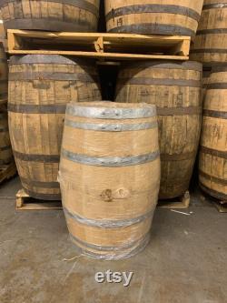 Barils de whisky de seiqué de 30 gallons Qualité rechargeable, frais jeté Parfait pour le brassage à domicile, la distillation artisanale ou la décoration.
