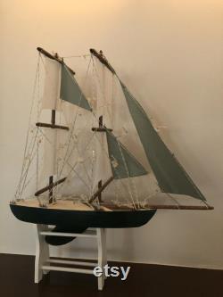 Bateau modèle de 14,5 pouces Coque de séquoia, support complémentaire, 7 voiles, bois souillé, vert, blanc