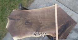 Black Walnut Live Edge Lumber Slab Kiln Dried Fancy Pastel Color Grain Table 48 1 2 Long 22 1 2 Max. Largeur 1 1 4 Épais aplati poncé