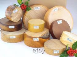 Boîte de sélection de cadeaux de Woodturner. 10 Bols blancs. Hardwoods anglais mélangés
