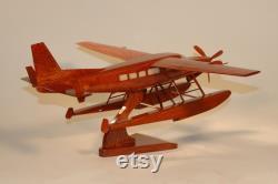 Cessna C-208 Float. Acajou modèle artisanal