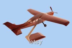 Cessna C-208 roue Acajou Modèle fabriqué à la main