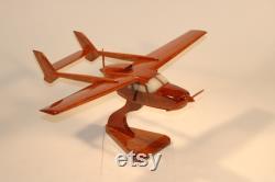 Cessna C-337. Modèle artisanal Acajou