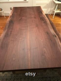 Dalle de bois de bord de bord de onze pieds de long. Noix noire. Dalles de bois. Grandes dalles de bois. Table de dalle de bois. Table basse de bord vivant