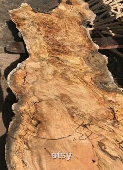 Live Edge Maple Wood Slabs et live Edge Maple Tables à vendre.