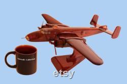 Nord-américain. B-25. Mitchell. Modèle d acajou fabriqué à la main